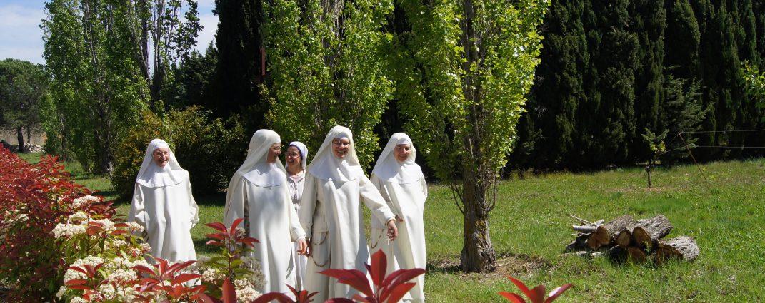 Le monastère a ouvert ses portes, vous y êtes les bienvenus!